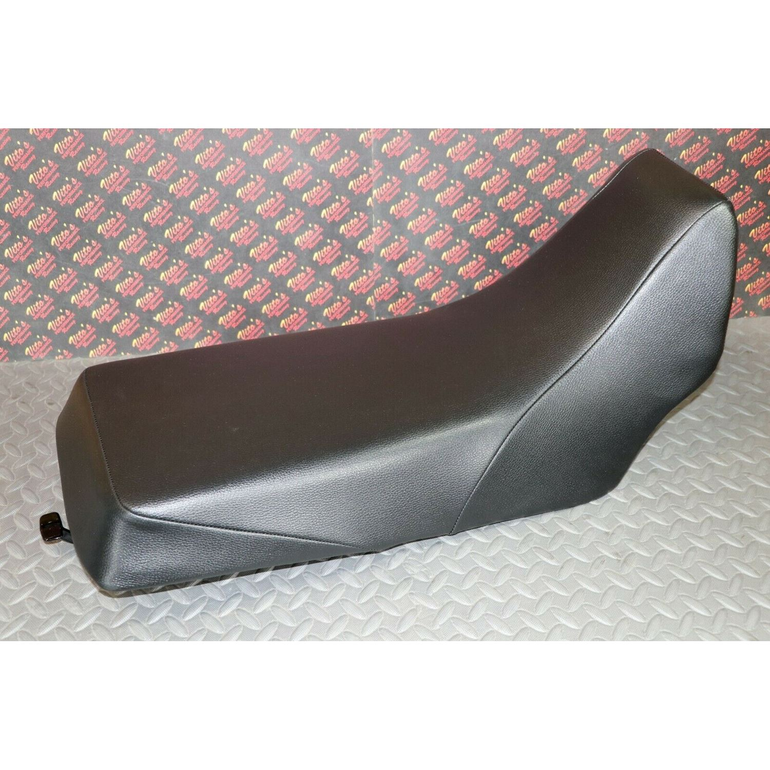 NEW Complete seat 1987-2006 Yamaha Banshee cover l